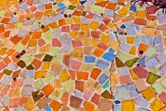 Il mosaico con le mattonelle dà un reticolo variopinto fotografia stock libera da diritti
