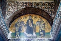 Il mosaico: Il vergine con il bambino ha fiancheggiato dalla I Justinian e da Constan Immagini Stock Libere da Diritti