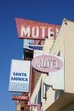 Il motel firma dentro Santa Monica Immagini Stock Libere da Diritti