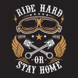 Il motociclista dell'illustrazione, guida duro o resta a casa royalty illustrazione gratis
