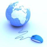 Il mouse ha connesso ad un globo Fotografia Stock