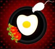 Il mouse vuole mangiare le uova fritte Immagine Stock Libera da Diritti