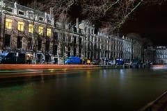 Il movimento delle navi passeggeri nella sera, Amsterdam fotografia stock