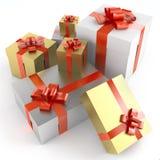 Il mucchio dei regali isoleted su bianco Immagini Stock Libere da Diritti