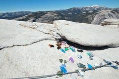 Il mucchio del guanto alla base di mezza cupola cabla in parco nazionale di Yosemite nella California U.S.A. Fotografia Stock Libera da Diritti