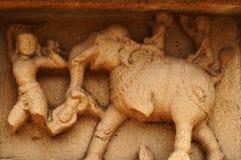 Il murale della parete dei bambini che giocano con l'elefante Fotografia Stock