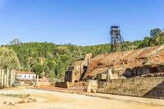 Il museo di estrazione mineraria con la vecchia asse ha chiamato Pena del Hierro a Nerva, PS Immagini Stock Libere da Diritti