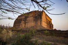 Il Myanmar - Mingun la pagoda di Pahtodawgyi immagini stock