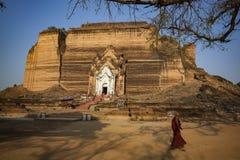 Il Myanmar - Mingun la pagoda di Pahtodawgyi fotografie stock libere da diritti