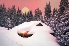 Il Natale alloggia nei Carpathians Immagini Stock Libere da Diritti
