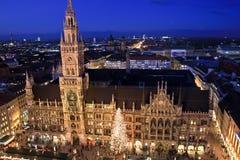 Il Natale commercializza in Marienplatz, Monaco di Baviera, Germania Immagine Stock