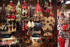 Il Natale commercializza nella città Fotografia Stock