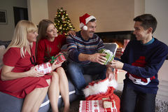 Il Natale cronometra con i bambini Immagine Stock Libera da Diritti