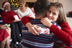 Il Natale cronometra con la famiglia Immagini Stock Libere da Diritti