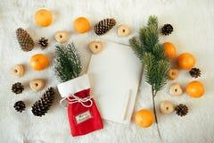 Il Natale festivo insacca, spazio in bianco vuoto di carta per testo Immagine Stock Libera da Diritti