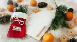 Il Natale festivo insacca, spazio in bianco vuoto di carta per testo Fotografia Stock