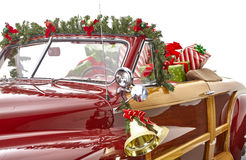 Il Natale ha decorato l'automobile classica Immagine Stock