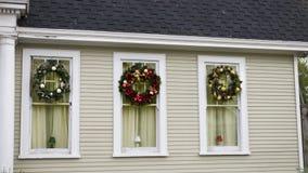 Il Natale ha decorato le finestre Fotografie Stock Libere da Diritti