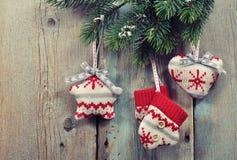 Il Natale ha tricottato la decorazione fotografie stock libere da diritti