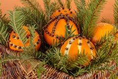 Il Natale orna con l'arancia immagini stock