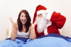 Il Natale prende ancora un altra donna non preparata Immagine Stock Libera da Diritti