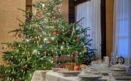 Il Natale presenta con pane Fotografia Stock Libera da Diritti