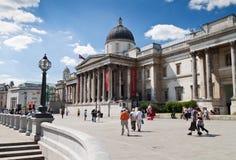 Il National Gallery nel quadrato di Trafalgar di Londra Immagini Stock