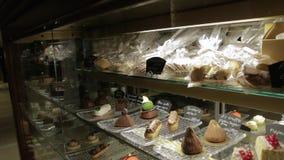 Il negozio di pasticceria dolce video d archivio