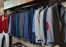 Il negozio di vestiti degli uomini Fotografia Stock