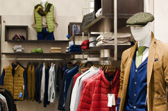 Il negozio di vestiti degli uomini Fotografie Stock