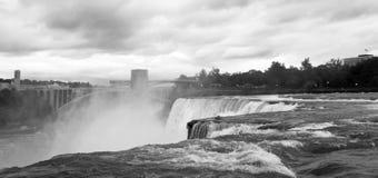 Il nero & bianco del Niagara Falls fotografie stock