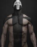 Il nero bianco dell'incrocio di body art degli uomini forti Immagine Stock Libera da Diritti