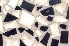 Il nero bianco delle mattonelle rotte Fotografia Stock Libera da Diritti