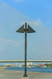 Il nero della colonna di ormeggio. Immagini Stock Libere da Diritti