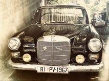 Il nero di colore del veterano di Mercedes Benz Immagine Stock