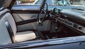 Il nero Ford Thunderbird 1956 Fotografie Stock