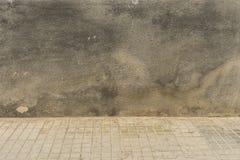 Il nero Grungy del outwall colorato fotografia stock libera da diritti
