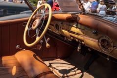 Il nero Packard 1940 al Car Show classico del trentaduesimo deposito annuale di Napoli fotografia stock libera da diritti