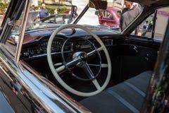 Il nero Packard 1940 al Car Show classico del trentaduesimo deposito annuale di Napoli immagini stock