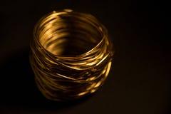 Il nido gradisce il primo piano dorato del candeliere Fotografie Stock