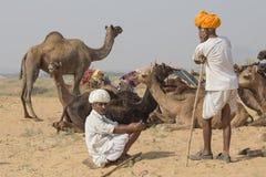 Il nomade indiano ha assistito al cammello annuale Mela di Pushkar immagine stock libera da diritti