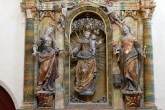 Il nostro altare di signora nella cappella della st Wolfgang in Vukovoj, Croazia Immagini Stock