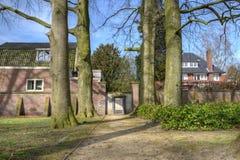 Il nuovo monumento del liceo sul vecchio memoriale del cimitero da morire a Hilversum Immagine Stock
