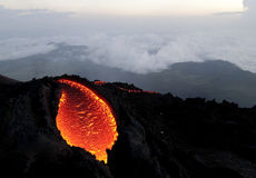 Il Pacaya vulkan sta sanguinando fotografie stock