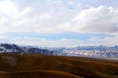 Il paesaggio autunnale del plateau del Tibet - di Qinghai Fotografie Stock Libere da Diritti