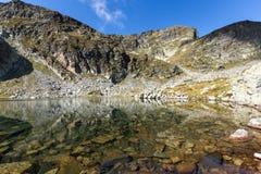 Il paesaggio dei laghi Elenski e Malyovitsa alzano, montagna di Rila Fotografia Stock Libera da Diritti