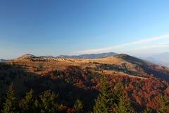 Il paesaggio di autunno della montagna Fotografie Stock