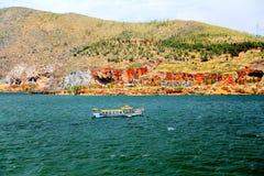 Il paesaggio di Lakeside del lago Erhai fotografie stock libere da diritti