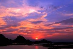 Il paesaggio di tramonto della contea di Puzihei immagine stock
