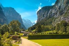Il paesaggio incredibile con il canyon in Lauterbrunnen in Immagini Stock Libere da Diritti